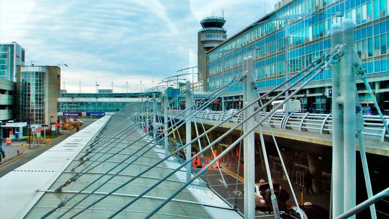 Imagen del aeropuerto de Montreal